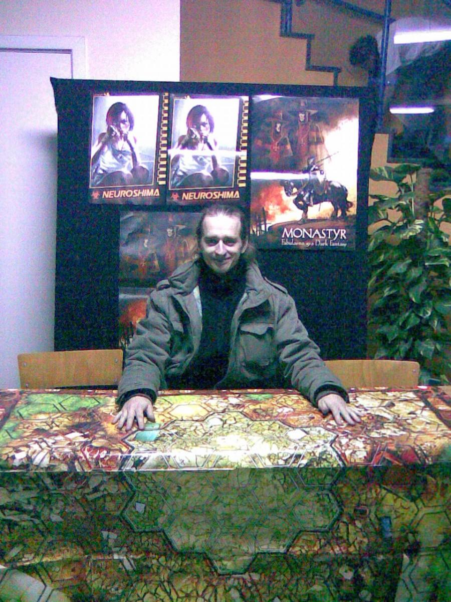 Falkon 2007 - autor Neuroshimy Hex wroli żywej reklamy.