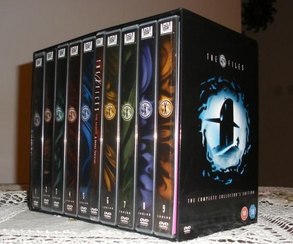 The X Files - The Complete Collector's Edition - zawartość pudełka